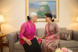 International Monetary Fund Managing Director Christine Lagarde (L) meets with Daw Aung San Suu Kyi (R) meet privately prior to a breakfast meeting at the Chatrium Hotel December 7, 2013 in Yangon, Myanmar. Lagarde is on a three country visit to Asia. IMF Photograph/Stephen Jaffe
